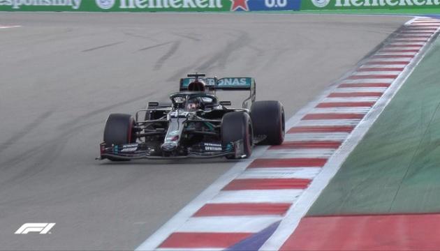 Формула-1: Хэмилтон выиграл квалификацию Гран-при России