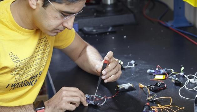 Ученые разработали слуховой аппарат стоимостью один доллар