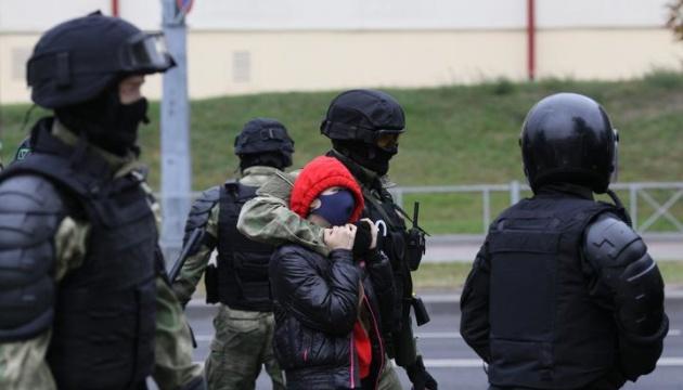 У МЗС Білорусі визнали надмірність дій силовиків на протестах