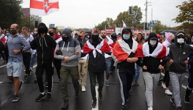 На марш протеста в Минске вышли более 100 тысяч человек - СМИ