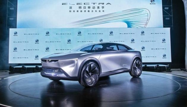 """General Motors представив концепт електрокара на 583 """"коня"""""""