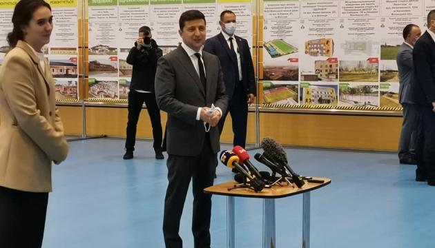 Зеленський у Вінниці проінспектував спорткомплекс