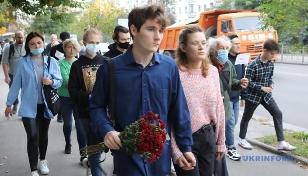 ホロコースト犠牲者追悼行進 キーウ市で開催