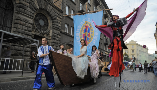 Львів кличе на вуличний театральний фестиваль