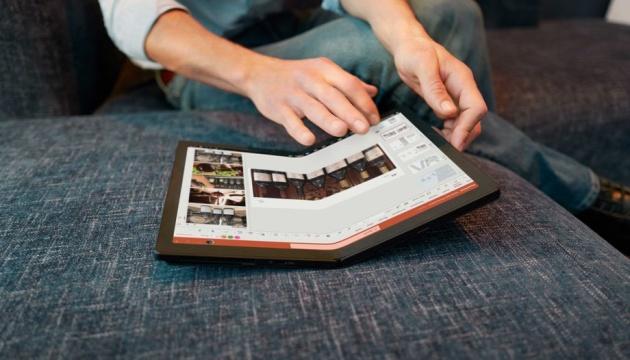 Lenovo випустила перший у світі ноутбук із гнучким екраном