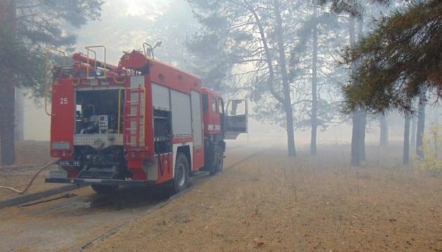 Через лісові пожежі на Луганщині евакуюють уже чотири села