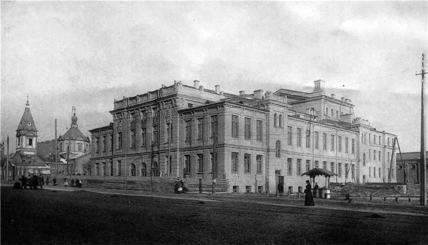 Здание Троицкого народного дома, в котором действовал театр Николая Садовского, ныне театр оперетты. 1900-е годы