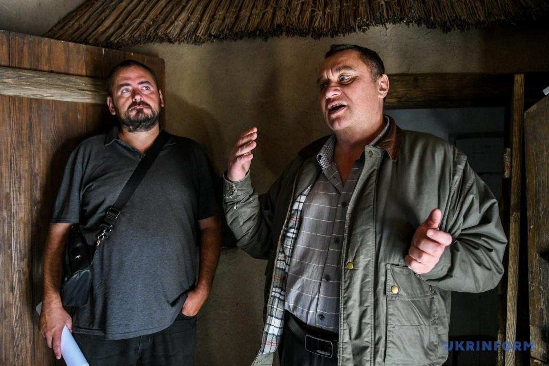 В'ячеслав Зайцев і завідувач сектором Історико-культурного комплексу