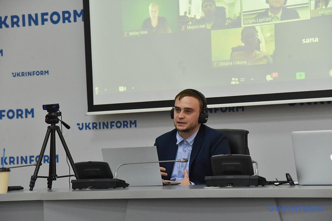 Артем Лаптиев