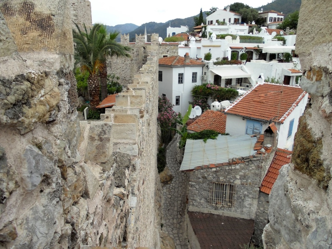 Вид з фортеці на старе місто