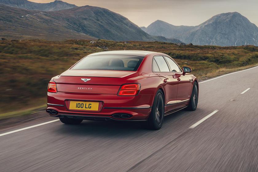Bentley представил люксовый седан с двигателем на 542 «лошади»