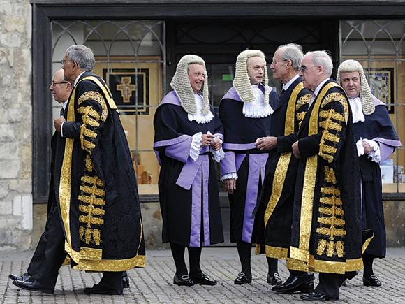 Спроба підкупити суддю розгялдається як окремий злочин