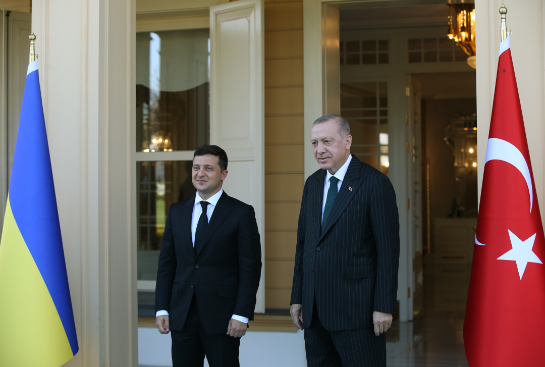 Зеленский и Эрдоган в Стамбуле проводят встречу с глазу на глаз