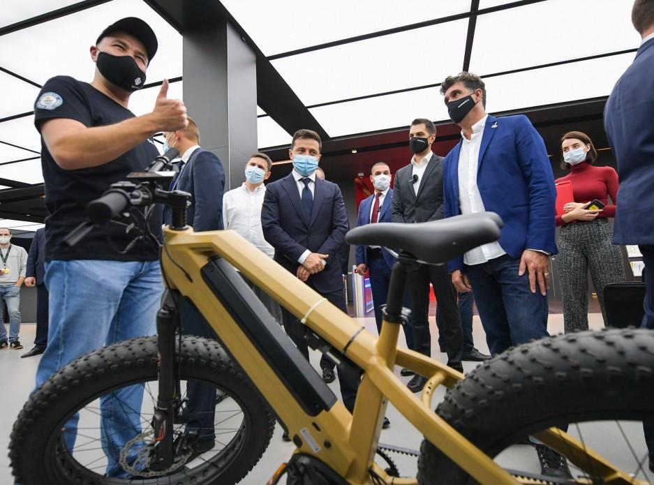 Зеленскому презентовали стартапы в инновационном парке — Украинские новости