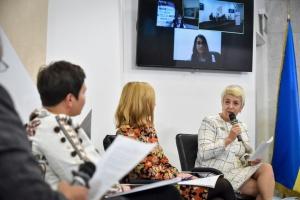 Україні важливо бути державою, яка практикує мову як м'яку силу - Демська