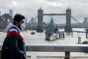 Уряд Британії у лютому оцінить можливість послаблення карантину