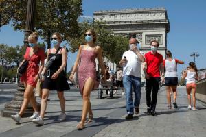 У Франції з 30 червня можуть скасувати носіння масок на відкритому просторі