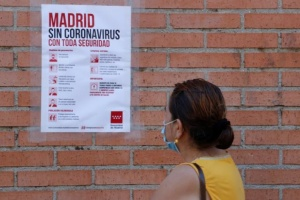 Мадрид ввел жесткие ограничения из-за всплеска COVID-19