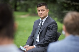 Zelensky inaugura una Pista de Hielo en Mariúpol
