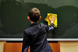 Некоторые школы могут продолжить обучение в июне - МОН