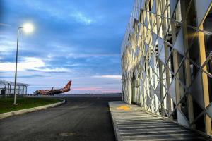 ІАТА цьогоріч прогнозує погіршення збитків світових авіакомпаній через пандемію