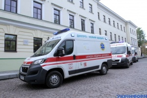 Almost 1,000 COVID-19 patients hospitalized in Ukraine in past day