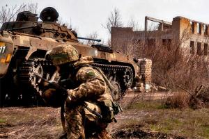 На Донбассе - три обстрела возле Водяного, погибли двое военных