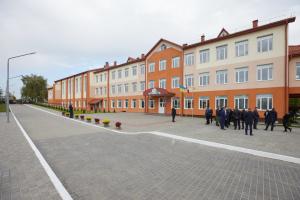 Зеленский посетил Вербковский учебно-воспитательный комплекс