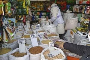 Серед бакалійних товарів за рік подешевшало лише пшоно — Держстат