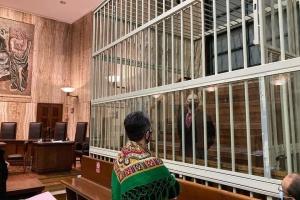 Українці в Італії влаштували акцію підтримки біля суду в Мілані, де слухають справу Марківа