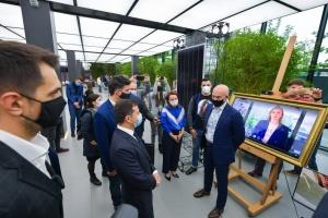 «Розумні» жалюзі та тренажери: Зеленському презентували стартапи в інноваційному парку