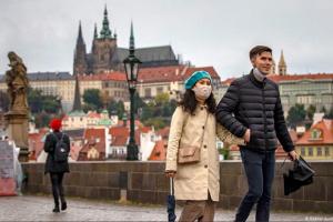 Коронавірус у Чехії: вперше кількість нових випадків перевищила 15 тисяч за добу