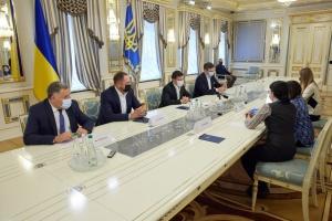 Зеленський: «Тиша» на Донбасі вже майже 90 днів, але є провокації й постріли