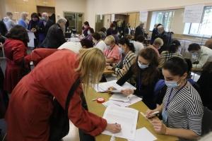 Regional- und Kommunalwahlen: Wahlbeteiligung bei 13,5 Prozent – Stand 12:00 Uhr