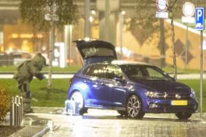 Поблизу аеропорту Амстердама виявили автомобіль з вибухівкою