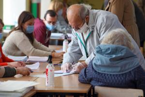 Наиболее активными на местных выборах были люди в возрасте 50+