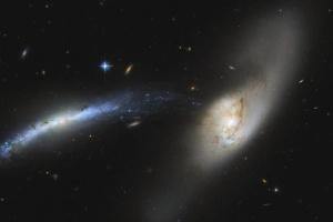 Hubble показал «космический водопад» во Вселенной
