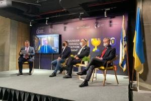 Друга хвиля пандемії: Степанов розповів, як її зустріла Україна