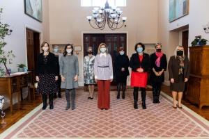 Olena Selenska trifft sich mit Botschafterinnen der acht Länder