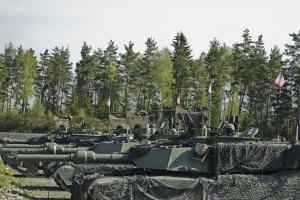 США проводять чергову ротацію бронетанкових військ у Європі