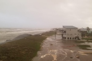 Ураган «Зета» приніс у США руйнування і першу смерть