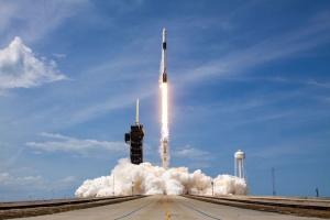 SpaceX замінила двигуни Falcon 9 перед стартом нової космічної місії
