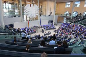 Депутати Бундестагу застерігають від подальшої ескалації навколо України