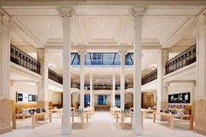 Apple из-за карантина закрывает свои магазины во Франции