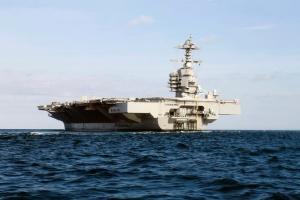 На найбільшому авіаносці США вводять карантин через COVID-19