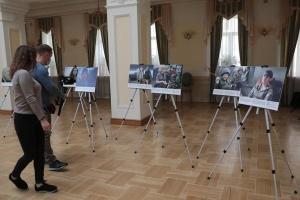 У Кабміні відкрилася фотовиставка «Жінки, мир і безпека в Україні»