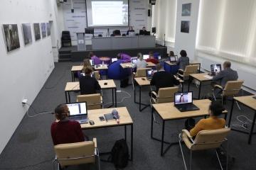 Ukrinform y dpa celebran una serie de seminarios web de verificación de datos
