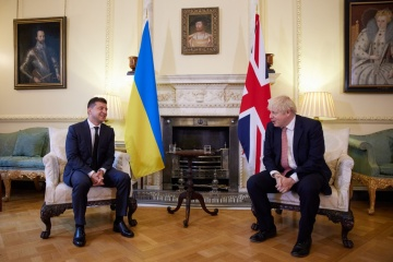 ゼレンシキー大統領、ジョンソン英首相と会談