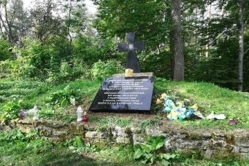 Polska obiecuje wymienić tablicę upamiętniającą żołnierzy UPA na wzgórzu Monasterz po ekshumacji