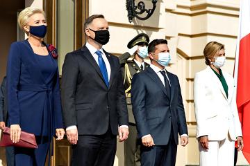 対露制裁はドンバス・クリミアの占領が終わるまで続けるべき=ポーランド大統領